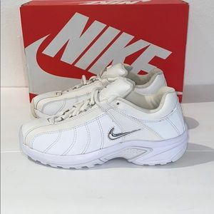 Authentic Nike woman's sneakers tennis shoes 8